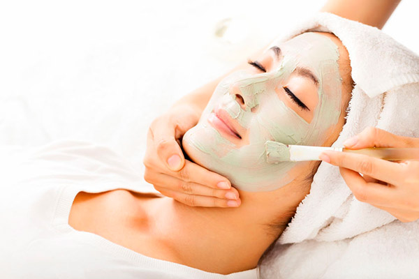 Women's Facial in Welland